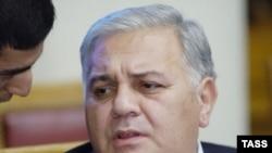 Oqtay Əsədov