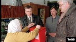 Часть избирателей опустит свои бюллетени в выносные урны