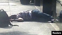 Polisin vurduğu Jeffrey Johnson Empire State Building qabağında
