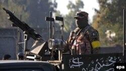 Pamje e një pjesëtari të ushtrisë së Pakistanit