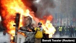Paris, Champs-Elysées, 24 noiembrie 2018. REUTERS/Benoit Tessier