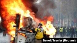 Беспорядки в Париже, 24 ноября 2018 года.