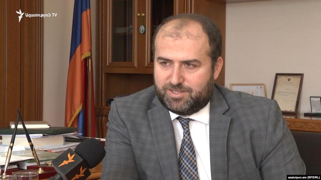 Министр окружающей среды подал в отставку