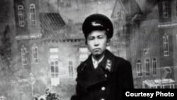 Кубат Салихов, Кызыл-Кыя шаарындагы ФЗОдо окуп жүргөн кезде.