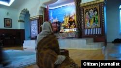 Храм Международного общества сознания Кришны расположен на окраине столицы
