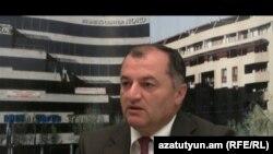 ԱԺ պատգամավոր Գագիկ Մինասյանը (ՀՀԿ) «Ազատություն» ռադիոկայանի գրասենյակում: 21-ը սեպտեմբերի, 2011թ.