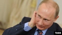 Владимир Путин, нахуствазири Русия ва яке аз номзадҳои аслӣ ба мақоми раёсати ин ҷумҳурӣ