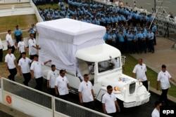 دهها هزار پلیس و سرباز مامور حفظ امنیت طی این سفر هستند