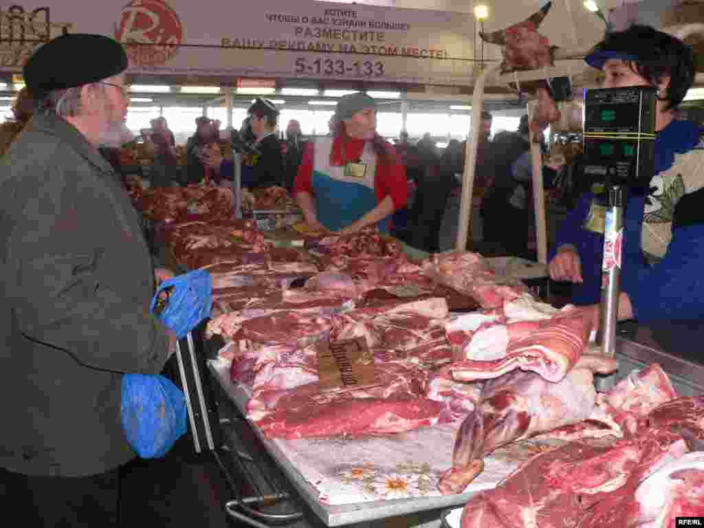 Russia currently ranks 57th out of 177 countries, eating 60 kilograms of mainly pork and chicken per capita per year.