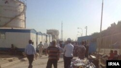 Iran - Mahshahr: contract workers on strike in a petrochemical project in Mahshahr.