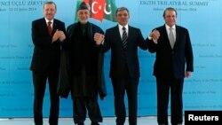 Recep Tayyip Erdogan, Hamid Karzai, Abdullah Gul dhe Nawaz Sharif (nga e majta në të djathtë)