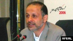 Iran -- Journalist Akhbar Ganji, Moscow press conference, 6Jun2006