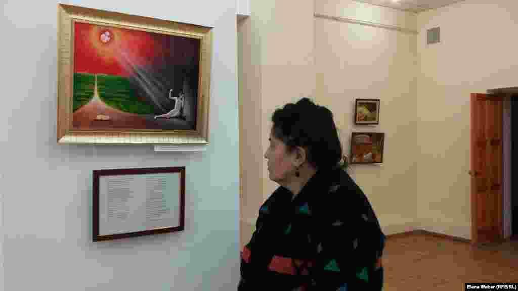 Куляш Сагила - смотритель музея - говорит, что ее тронула почти до слез вот эта картина.