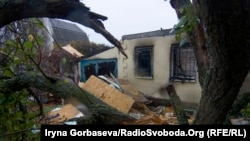 Зруйнована будівля в Водяному, 13 жовтня 2016 року