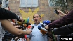 Armenia - Nikol Pashinian, an opposition mayoral candidate, speaks to reporters outside a polling station in Yerevan, 14May2017.