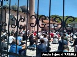 Imamima i džematskim odborima je naloženo da ne dozvole bespotrebno zadržavanje u džamijama nakon namaza
