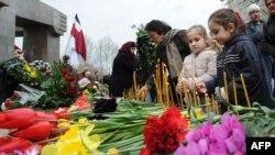 У Грузії вшановують пам'ять жертв розгону мирної демонстрації у 1989-му, Тбілісі, 9 квітня, 2015