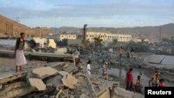 Pamje pas një sulmi të mëparshëm në qytetin Mukalla në Jemen