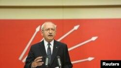 Кемаль Кылычдароглу, лидер Республиканской народной партии Турции. Анкара, 16 апреля 2017 года.