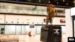 """Реновираниот скопски аеродром """"Александар Велики""""."""