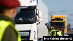 Литва ва Латвия чегарасидаги назорат маскани.