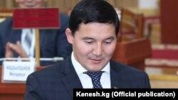 Дамирбек Асылбек уулу в бытность депутатом парламента Кыргызстана.