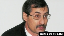 Правозащитник Евгений Жовтис. Алматы, 10 февраля 2009 года.