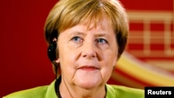 German Chancellor Angela Merkel has said the EU is not ready to consider easing sanctions on Russia.