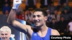 Казахстанский боксер Жанибек Алимханулы.