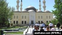 Ашхабаддагы Эр-Тургул Газы атындагы мечит