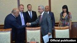 Armenia - President Serzh Sarkisian meets with leaders of the Prosperous Armenia Party, Yerevan, 26Aug2015.