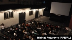 Жума башында кино үйүндө «Кыргызстан - кыска метраждуу фильмдер өлкөсү» долбоорунун алкагында кыска метраждуу кино тасмалар көрсөтүлдү.