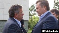 Під час одного з попередніх візитів до Польщі: президент Польщі Броніслав Коморовський (ліворуч) і України Віктор Янукович