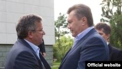 Під час однієї з попередніх зустрічей Броністава Коморовського і Віктора Януковича (архівне фото)