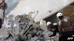 После бомбардировки деревни в провинции Идлиб (16 ноября 2016 г.)
