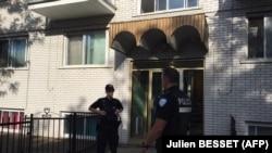 Полиция возле дома, где жил подозреваемый Амор Фтухи, Монреаль, Канада, 21 июня 2017 года