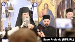 Amfilohije Radović u crkvi u Cetinju