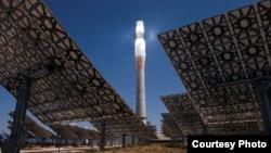 Макет майбутньої електростанції на енергії Сонця