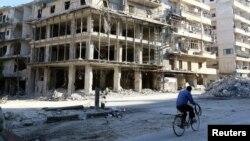 حلب؛ برآورد میشود که حدود ۲۵۰ هزار نفر از ساکنان این شهر در منطقه تحت مخاصمه به دام افتادهاند