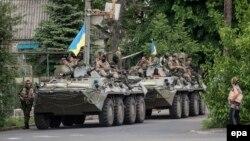 Ուկրաինա - Զինվորները Դոնեցկի շրջանի Վոլնովախա գյուղում, 22-ը մայիսի, 2014թ․