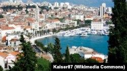 Unazad dvadesetak godina u Splitu izgrađeno 13 crkava i svega jedna osnovna škola