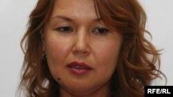 Жәмила Жәкішева, тұтқындағы топ-менеджер Мұхтар Жәкішевтің зайыбы. Алматы, 15 маусым 2009 ж.