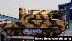 Іранський «Тор-М1» на військовому параді в Тегерані, архівне фото 2009 року