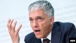 Швейцария бас прокуроры Майкл Лаубер.