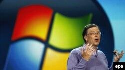 Билл Гейтс, создатель и глава Microsoft.