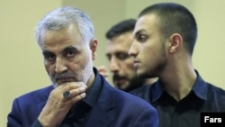 Qassem Soleimani (left), commander of the IRGC's Quds Force