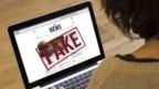Prvi korak je naučiti razlučiti šta su štetne informacije te naučiti mlade ljude da razlikuju laž od činjenica