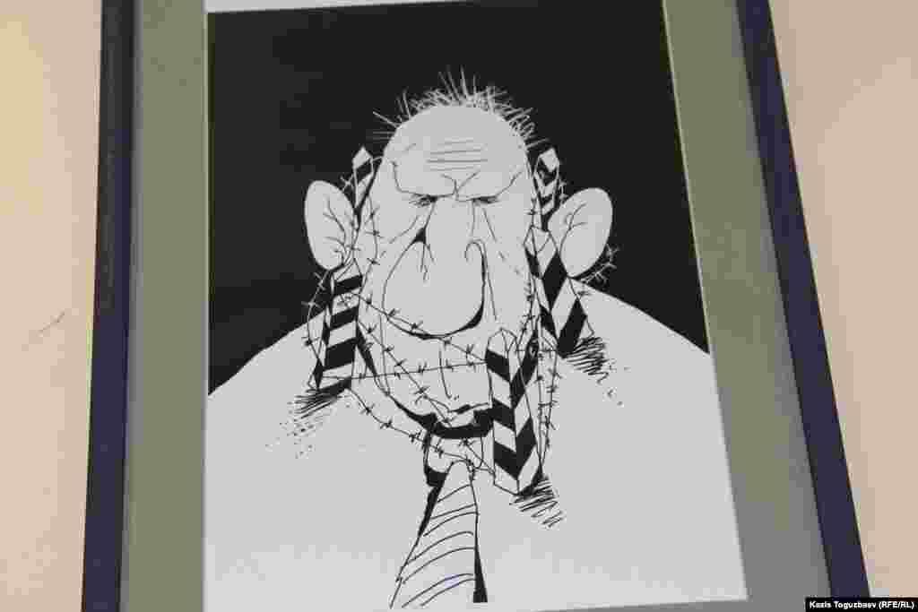 Алматылық суретші Ибрагим Кубековтың БАҚ ахуалы туралы карикатурасы.