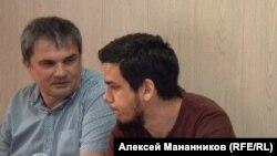 Артем Лоскутов (справа)