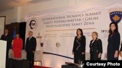 Foto nga hapja e Samitit Ndërkombëtar të Grave